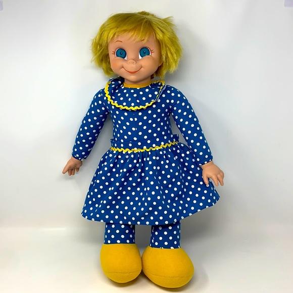 "2000 ""Mrs. Beasley"" Doll big eyes polka dot dress"